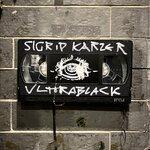 Sigrid Karzer Ultrablack (Dunkel Maze Mix)