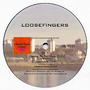 LOOSEFINGERS - Glancing At The Moon