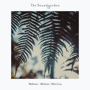 MADRAAS - Melanie/Meia Lua