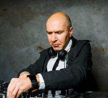 DJ LAUREL: From Funk to Disco