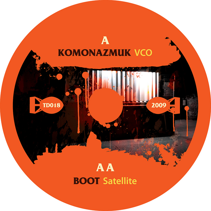 KOMONAZMUK/BOOT - VCO