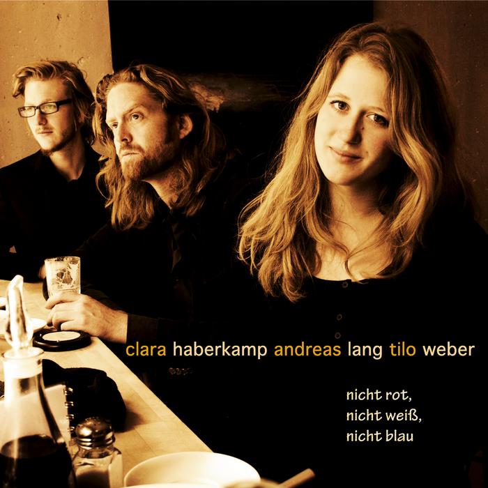 Nicht Rot Nicht Weiss Nicht Blau By Clara Haberkamp Trio
