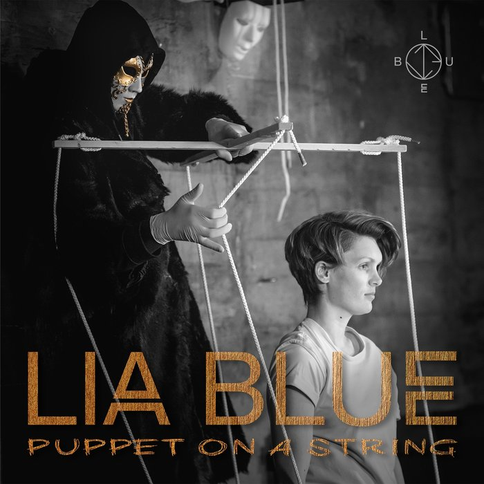 LIA BLUE - Puppet On A String