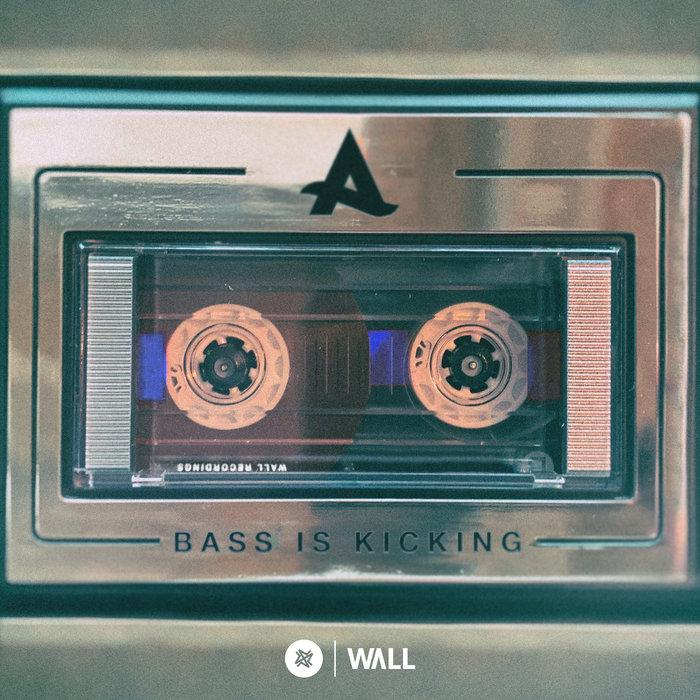 AFROJACK - Bass Is Kicking