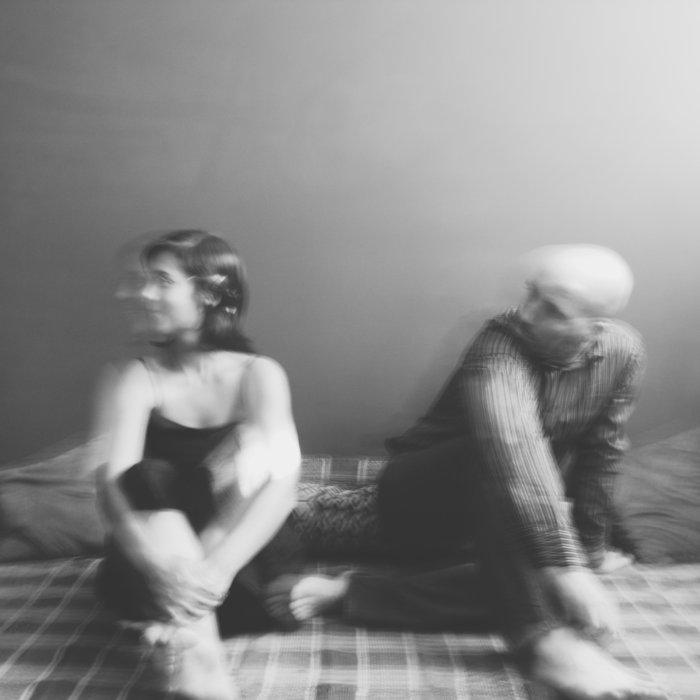 Em Espera by Silente on MP3, WAV, FLAC, AIFF & ALAC at Juno Download