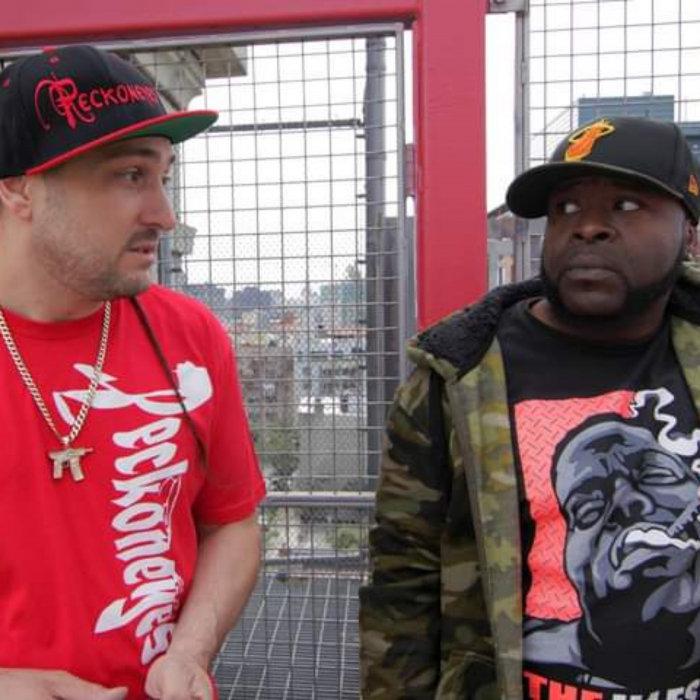 JULIUS SMOKES/DJ GREENGUY/DJ KING ASSASSIN FEAT BURNS LUCIANO - Strumpits (Explicit)