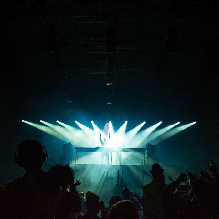 LIGHT WALKERS - Burke